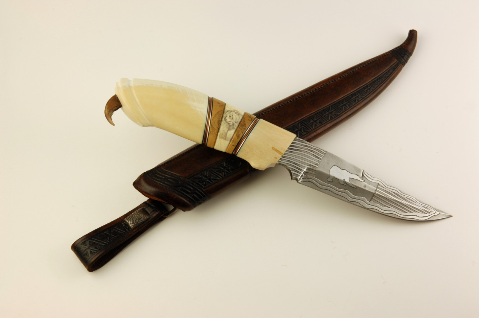 Stenvad Custom Knife reindeer horn leather sheet pattern blade