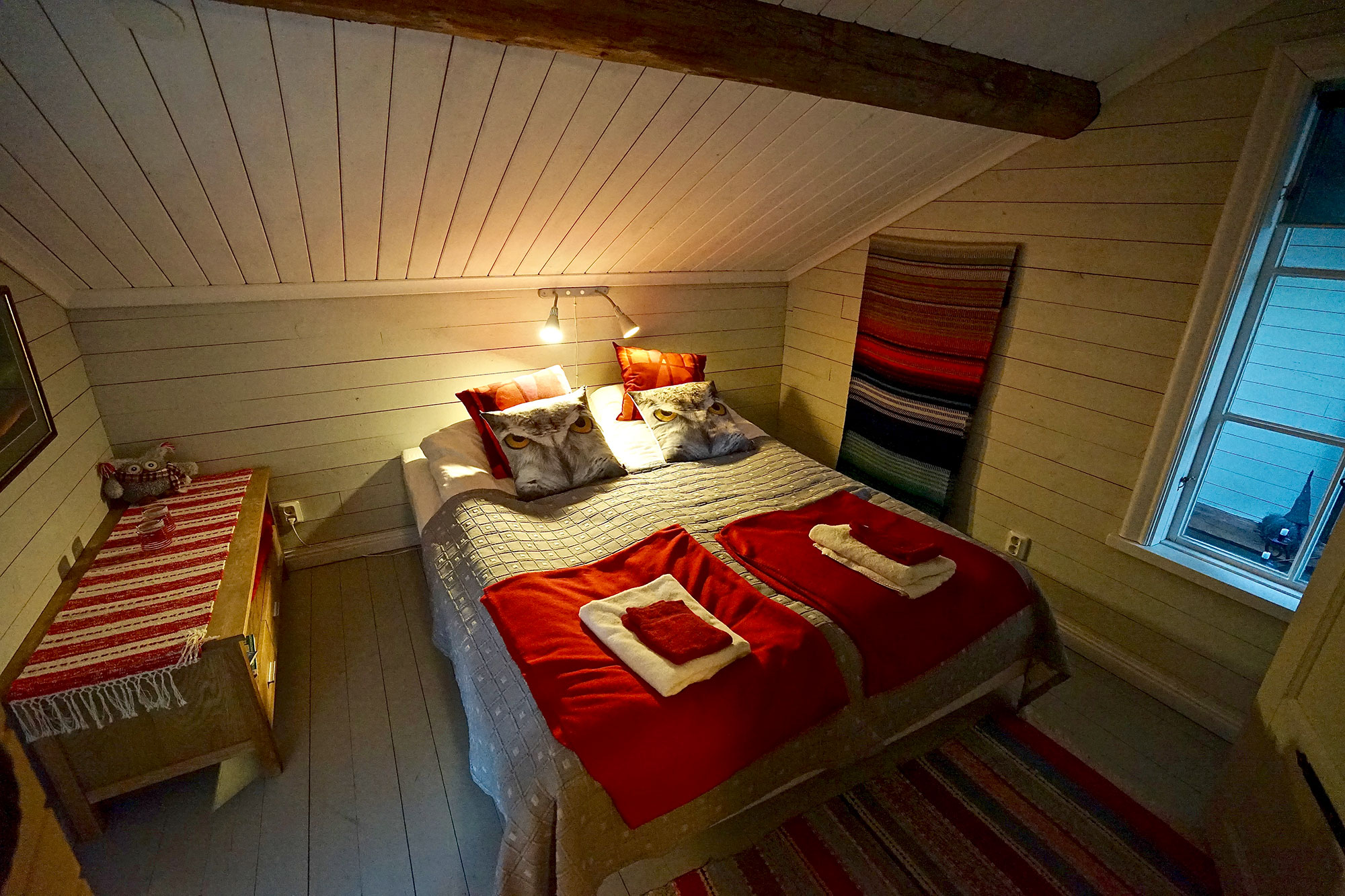 Owl-room-lapland-guesthouse