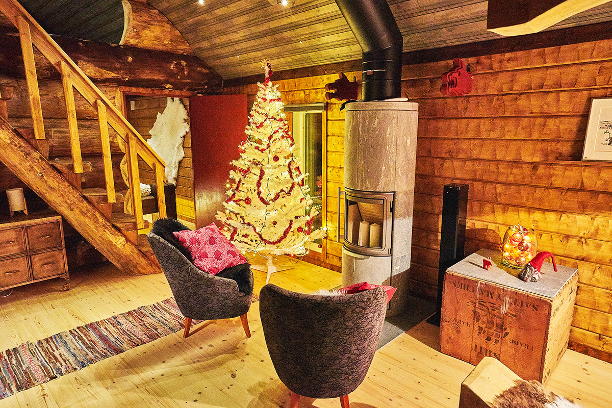 Viking-Cabin-main-room-Lapland-Guesthouse