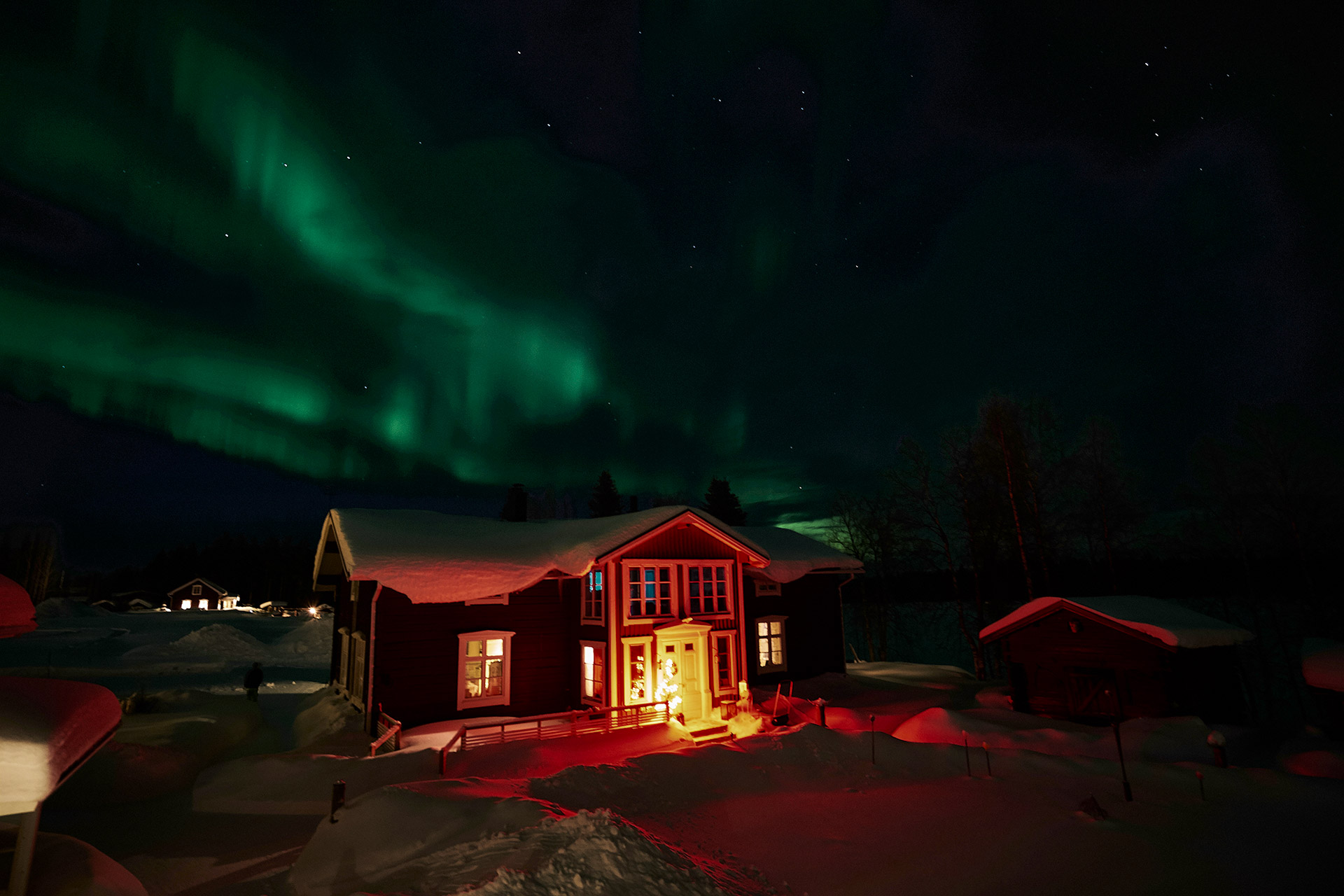 Northern-lights-from-annex-balcony