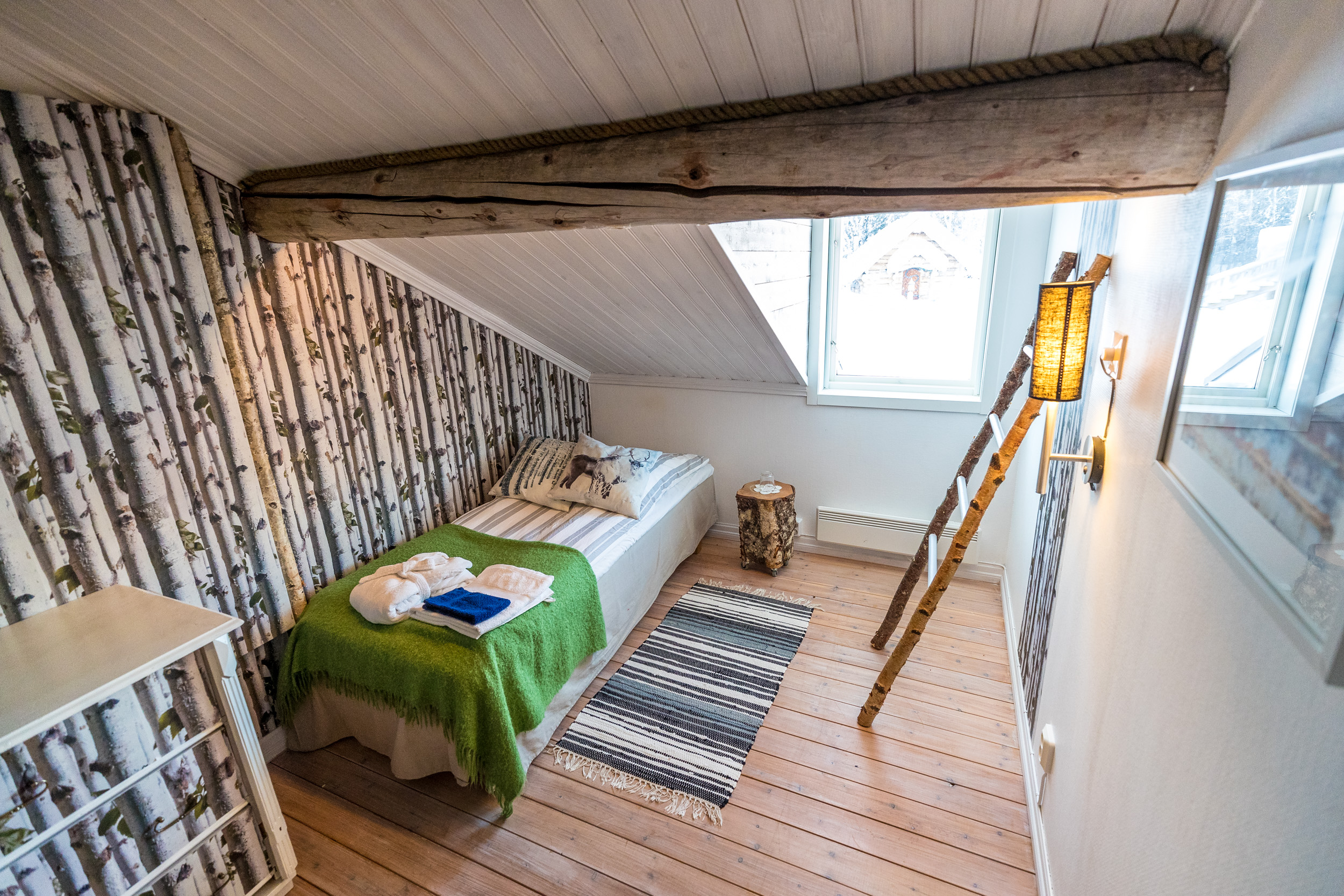 Lapland-Guesthouse-Double-room-sharing (5)